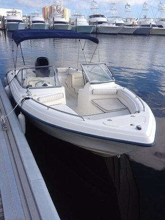 Blue Water Powerboat Rentals