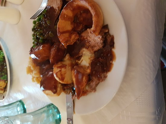 Ystradgynlais, UK: Carvery at the sced.  Beautiful  place