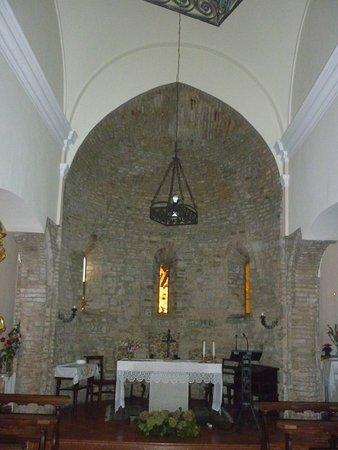 Santuario Madonna della Pieve: interno con altare principale