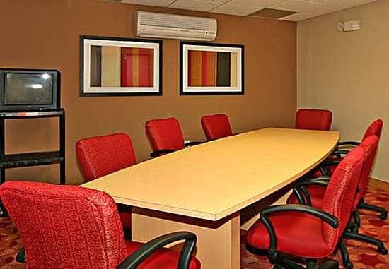 TownePlace Suites Wilmington/Wrightsville Beach: Boardroom