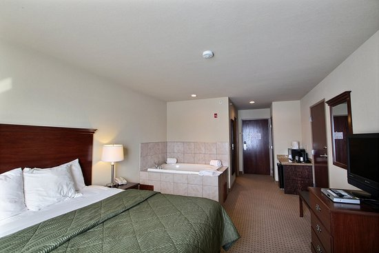 Clintonville, WI: Whirlpool Room
