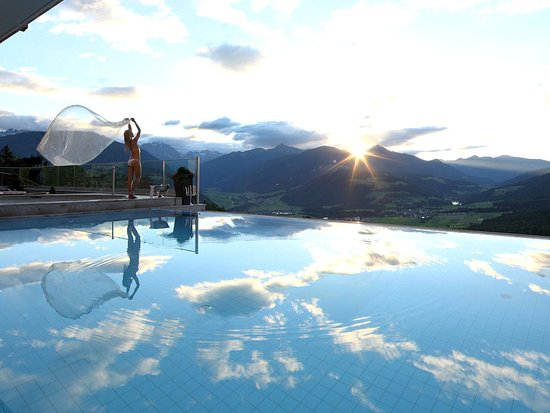 Baerenhotel: Infinity Outdoor Pool