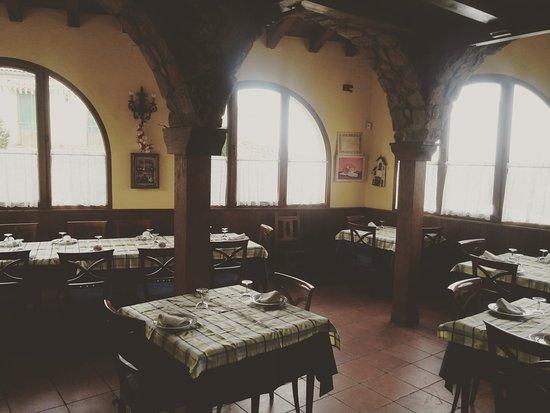 Duruelo, Espagne : Puedes reservarnos éste salón para tus celebraciones