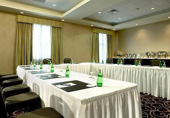 delta guelph hotel and conference centre meeting room u shape setup - U Shape Hotel Decoration