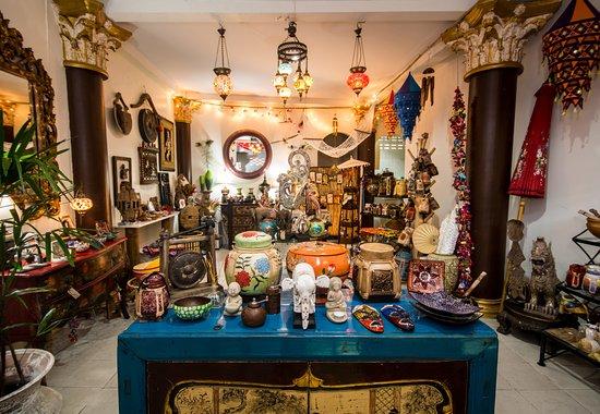 Pak Nam, Thailand: Krabi Town No 1 Gift Shop