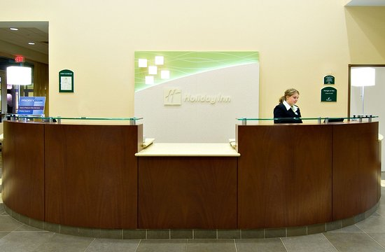 Springfield, OR: Front Desk