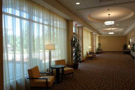 Springfield, OR: Conference Pre-function Area