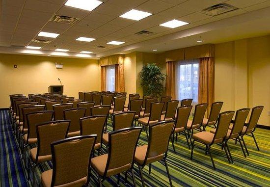 Fairfield Inn & Suites Cartersville: Theater-Style Meeting