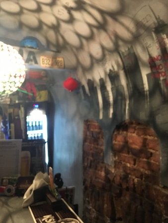 Awaria Club: Cracking little place
