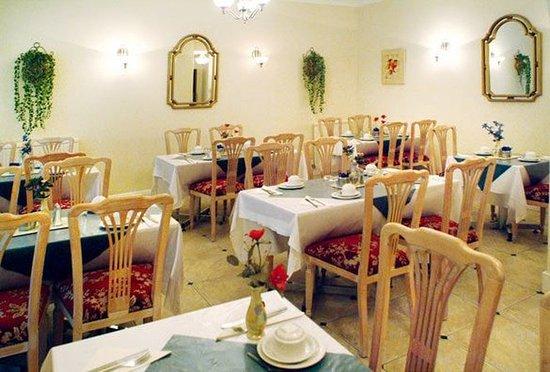 Chrysos Hotel: Breakfast Room