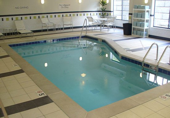 Fairfield Inn & Suites Sevierville Kodak: Indoor Pool