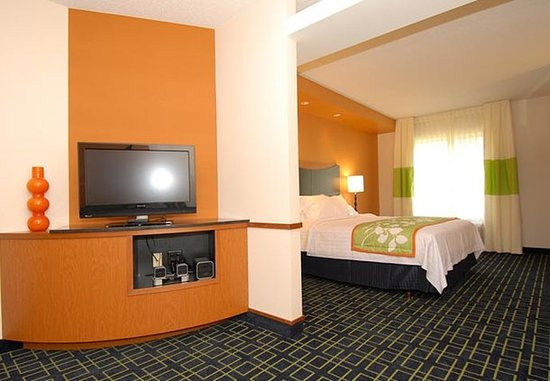 Bedford, PA: King Suite