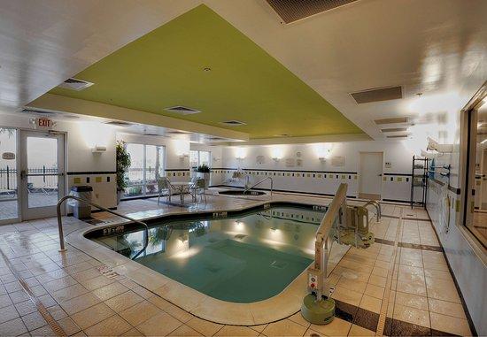 Fairfield Inn & Suites Auburn Opelika: Indoor Pool
