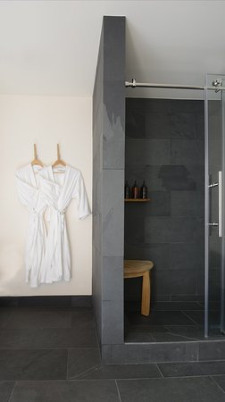 Timber Cove Resort: Slate Shower with Lather* Products
