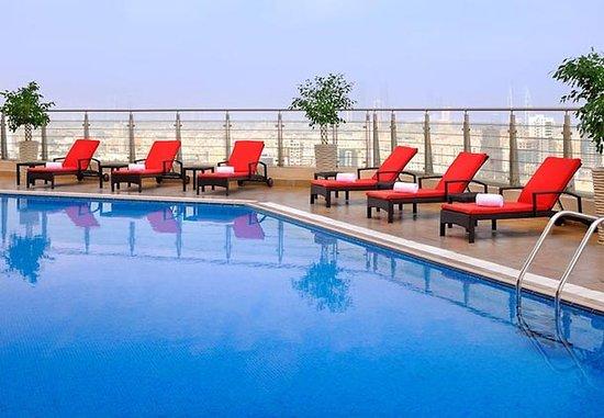 Marriott Executive Apartments Manama, Bahrain : Rooftop Pool