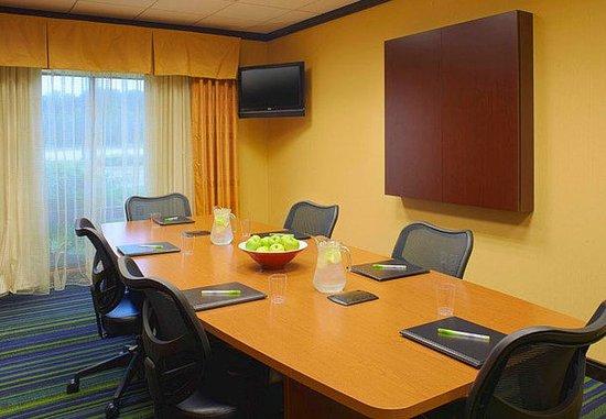 Fairfield Inn & Suites New Buffalo : Boardroom