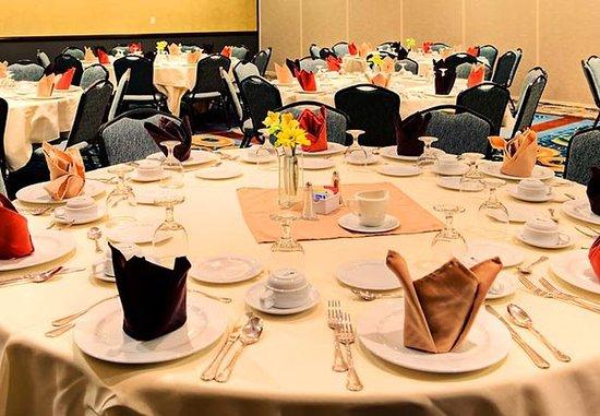 Courtyard San Antonio SeaWorldR/Westover Hills: Mission's Ballroom – Banquet Setup