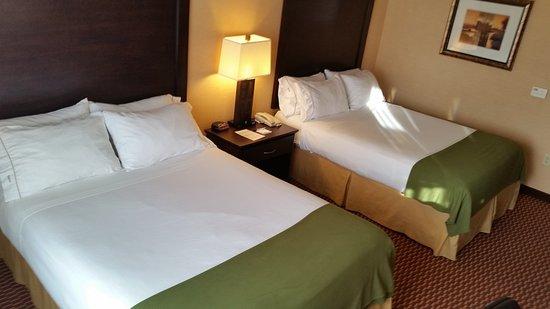 Lebec, Калифорния: 2 Queen Bed Guest Room