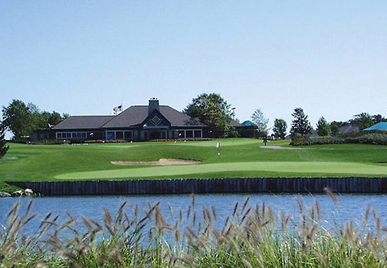 Fairfield Inn & Suites Rockford: Rockford Area Golf