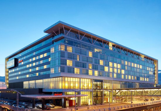 Montreal Airport Marriott In-Terminal Hotel: Exterior
