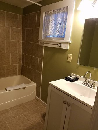 Crumpler, Carolina del Norte: Brookside bathroom