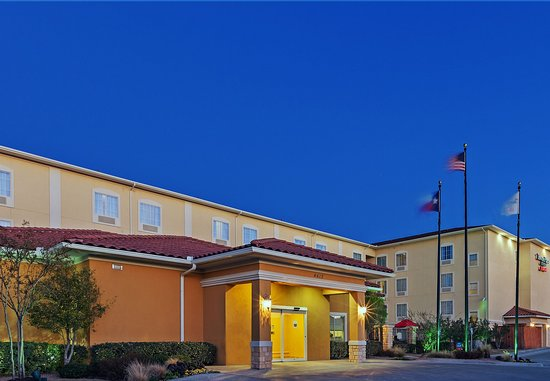 TownePlace Suites Odessa: Exterior