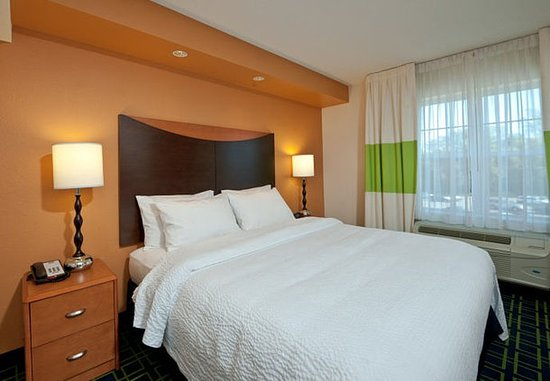Exeter, NH: King Guest Room