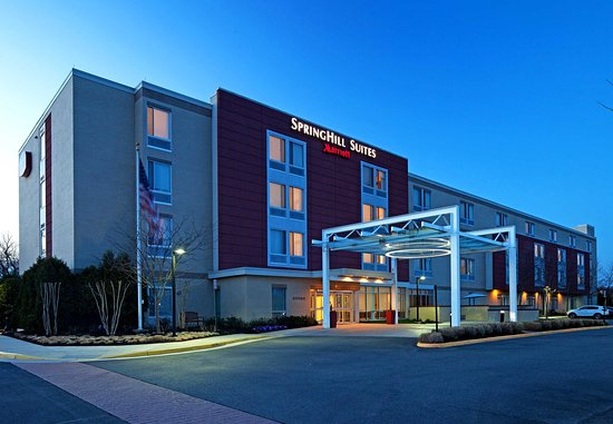 SpringHill Suites Ashburn Dulles North: Evening Exterior
