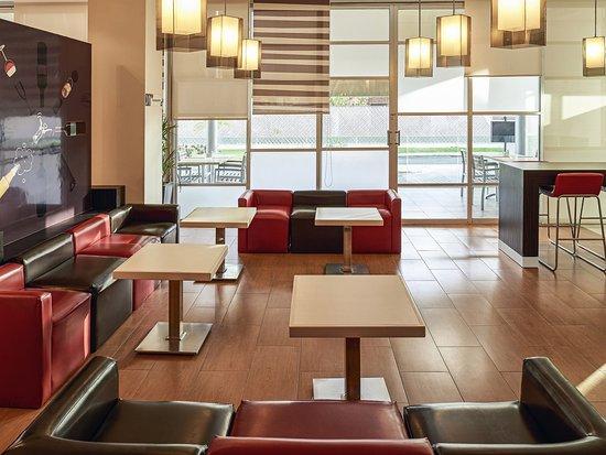 Hotel Ibis Merida: Exterior