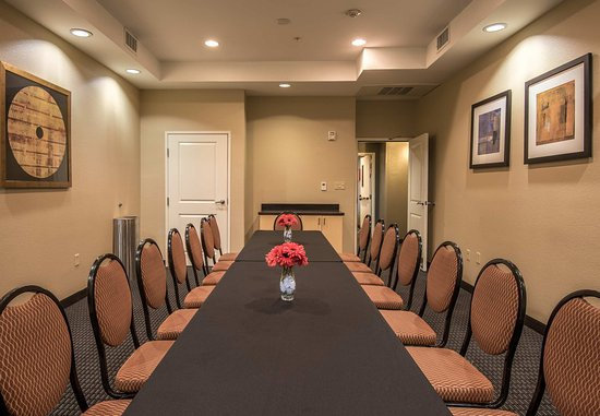 TownePlace Suites Dallas DeSoto: The Hello Conference Room