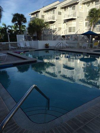 Pool - Picture of Royal Beach Club, Fort Myers Beach - Tripadvisor