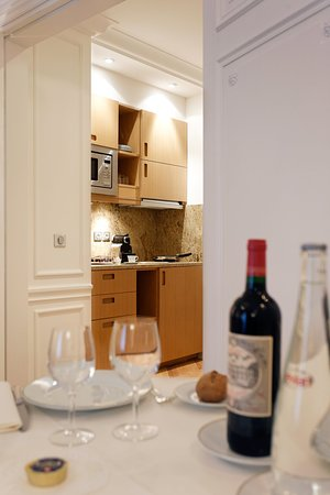 Majestic Hotel Spa: Kitchenette