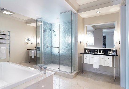 Wrap Around Terrace Suite Bathroom Picture of The Cosmopolitan