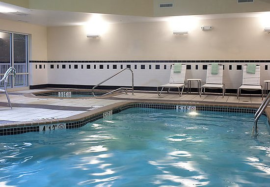 Fairfield Inn & Suites Paducah: Indoor Pool