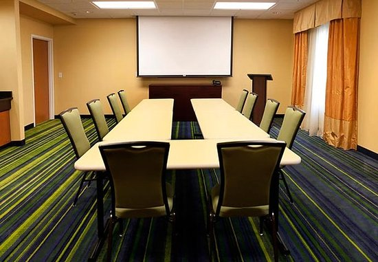 Fairfield Inn & Suites Paducah: The Clark Meeting Room