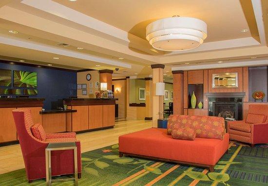 Fairfield Inn & Suites Carlsbad: Lobby