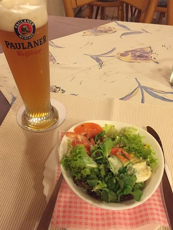 Andreas Stube: Dinner special: Schnitzel with horseradish sauce, fresh salad, and butter potatoes!