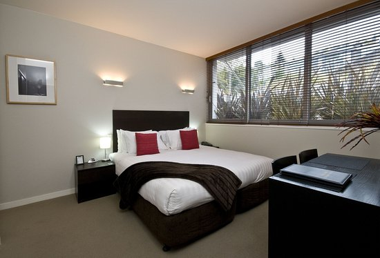 Pounamu Apartments: Studio Room