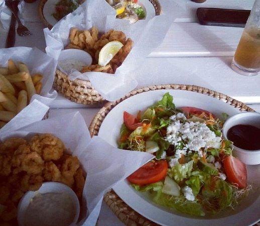 Lunch at Tiki