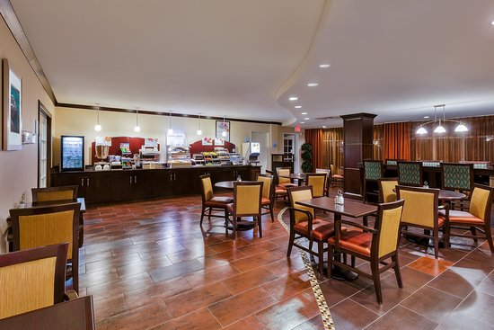 Alpine, Техас: Browse our well-stocked Breakfast Bar