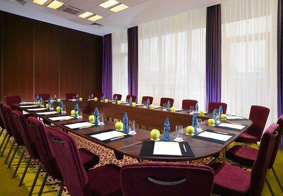 Courtyard Irkutsk City Center: Charoit Room - Boardroom Setup