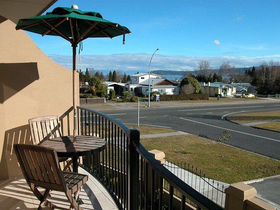 Chantilly's Lake Taupo: Balcony