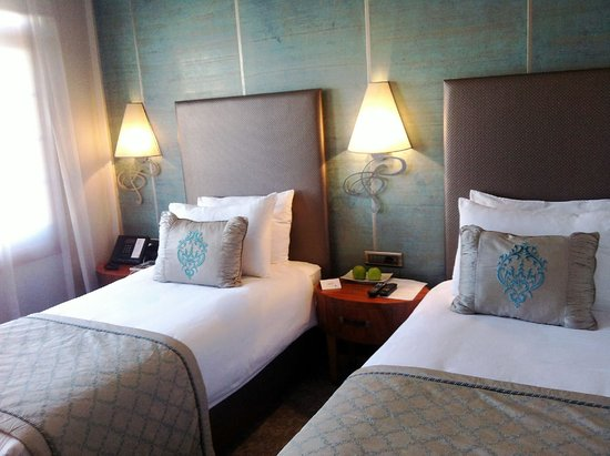 Biz Cevahir Hotel: Superior Twin Room