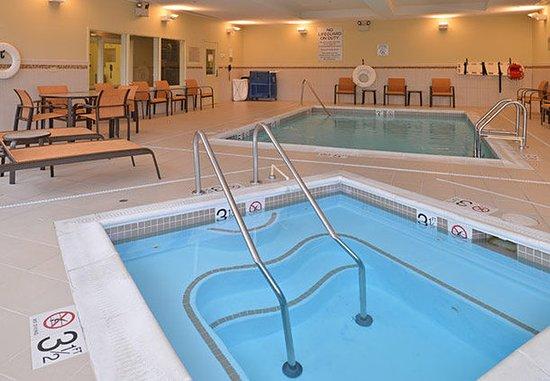 Courtyard Burlington Mt. Holly/Westampton: Indoor Spa