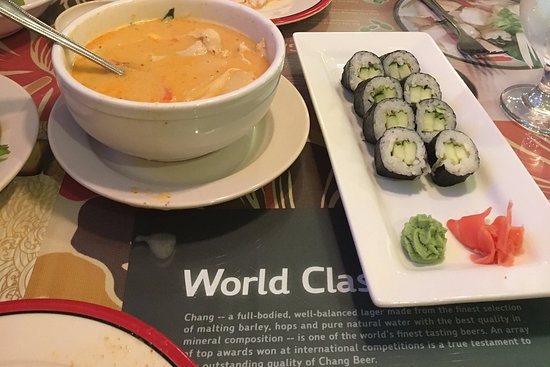 Miami Springs, FL: Yellow curry and sushi