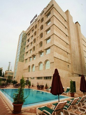Imperial Palace Hotel: exterior
