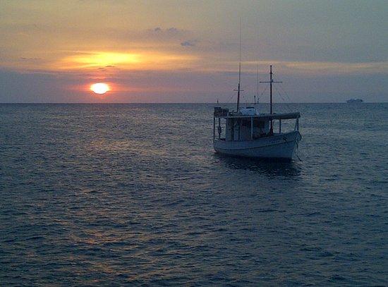Caraballeda, Venezuela: Atardeceres espectaculares en el mar!