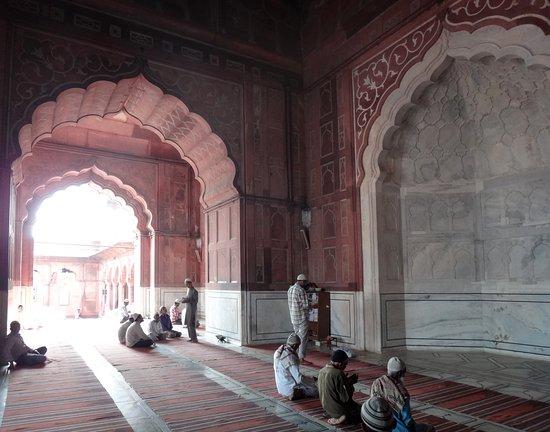 Friday Mosque (Jama Masjid): interiér