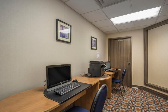 Clarion By Choice Hotels Calgary Airport