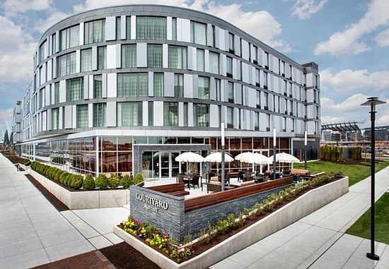 Courtyard Philadelphia South at The Navy Yard: Exterior